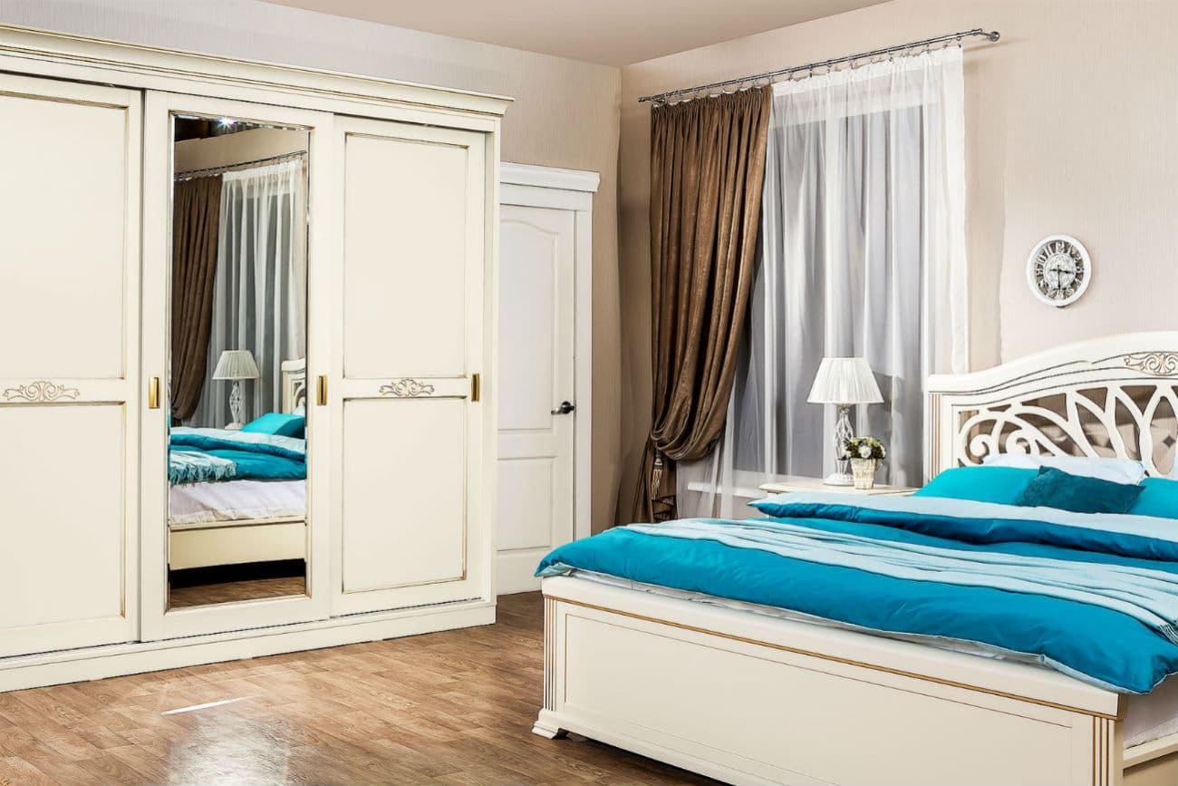 Schiebeschrank «Princess» und ein Bett «Camellia»