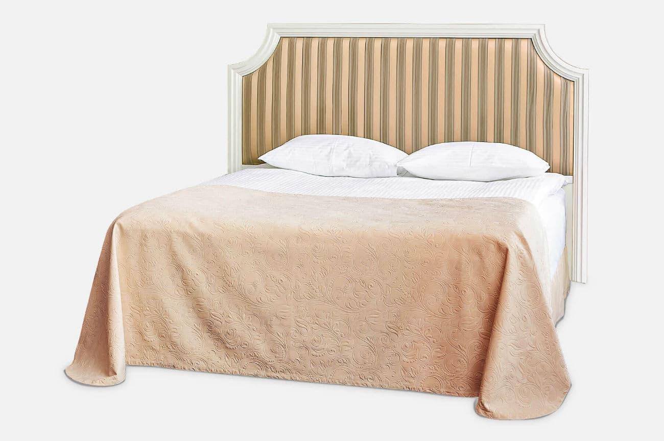 Doppelbett aus dem Massiv einer Erle mit einem hohen weichen Rücken «Holly»