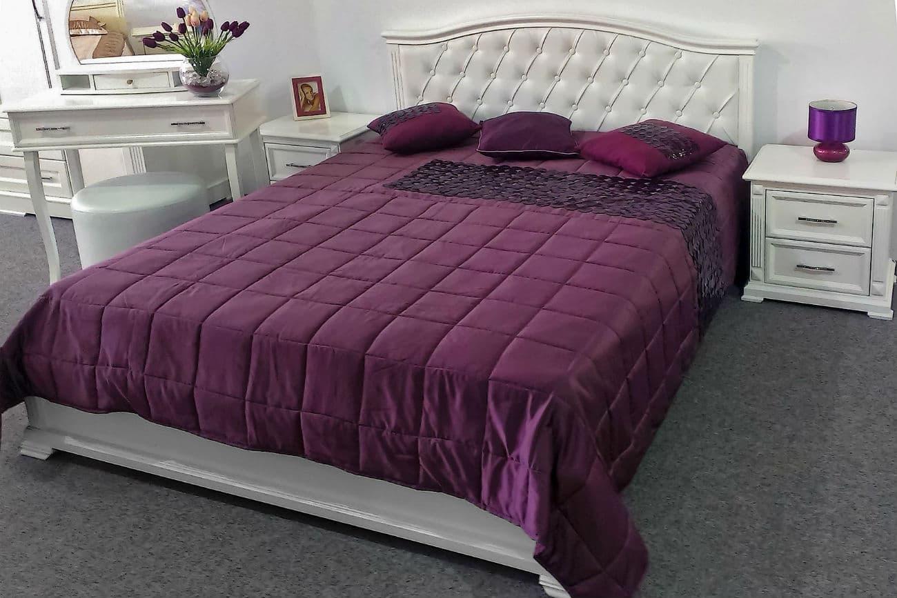 Doppelbett «Helen» mit Nachttischen und Schminktisch